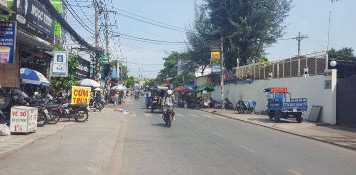 Nhà mặt tiền Dương Quảng Hàm, F5 giá 13 tỷ