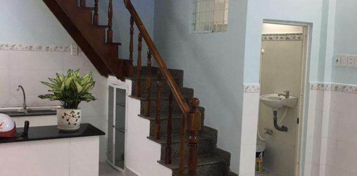Nhà 1T1L hẻm Nguyên Hồng P1 cách hẻm xe hơi 1 căn nhà giá 2,85 tỷ